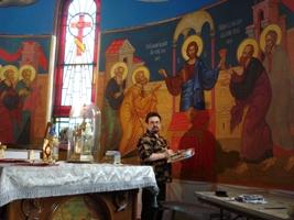Процесс росписи алтаря ( На фото Вершинин Сергей)